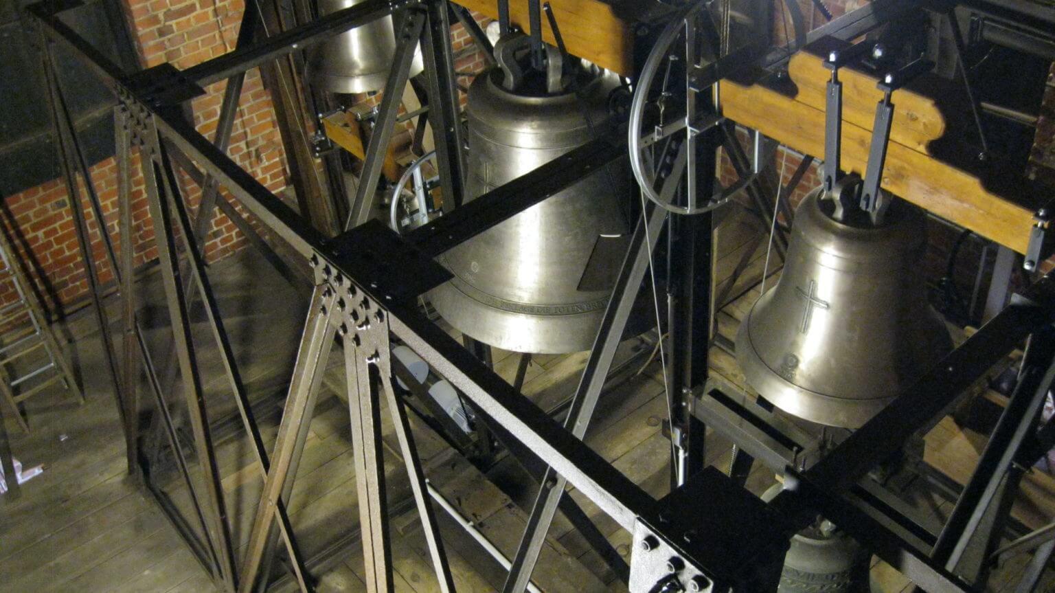 das Geläut im sanierten Glockenstuhl