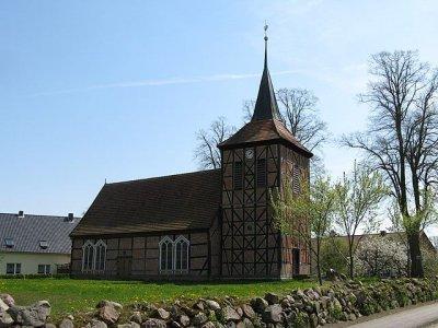 Brunow_Kirche_2008-04-28_099