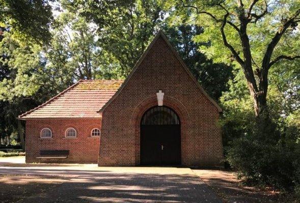 Kapelle-aussen-1-768x1024