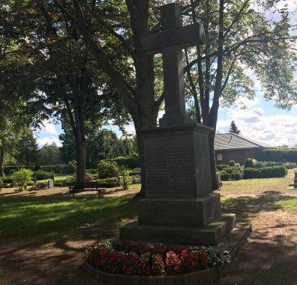 Kriegerdenkmal-1.-Weltkrieg-scaled